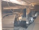 Verbrannte Autos in einer Tiefgarage