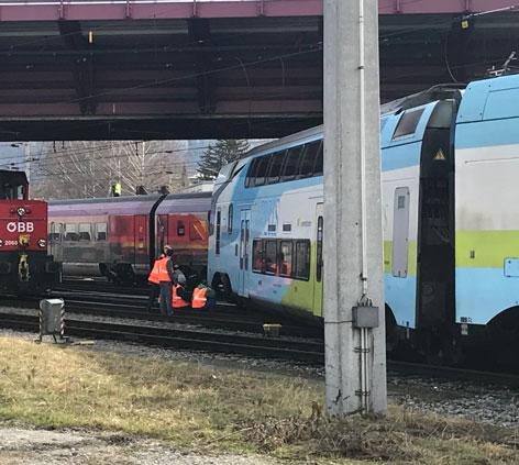 Westbahn Garnitur entgleist