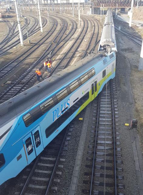 Garnitur der Westbahn bei Salzburger Hauptbahnhof entgleist