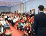 Betriebsratsvorsitzender Rainer Stratberger bei der AUA-Betriebsversammlung