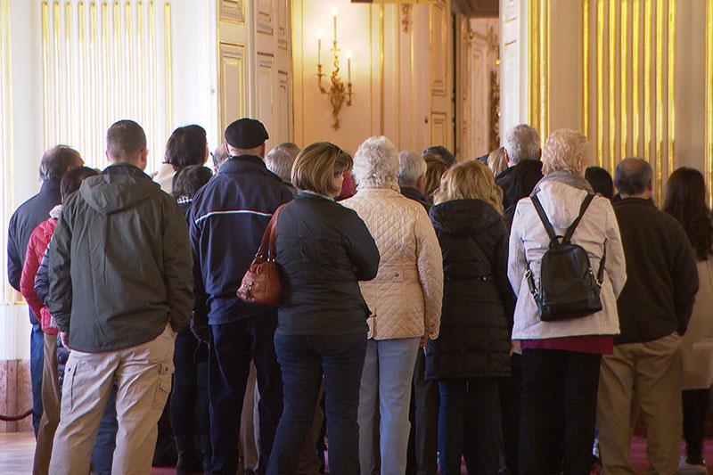 Besucher im Schloss Schönbrunn