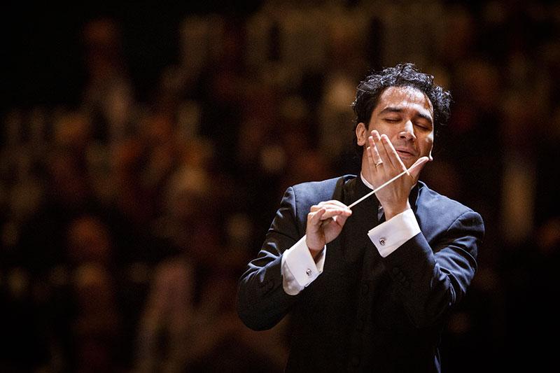 Orozco-Estrada wechselt zu Wiener Symphonikern