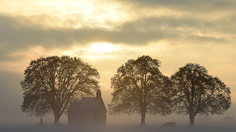 Kirche am Morgen