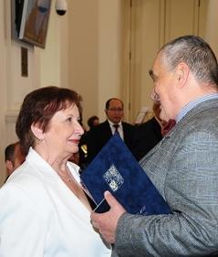 Dagmar Takácsová při přebírání Ceny Gratias Agit