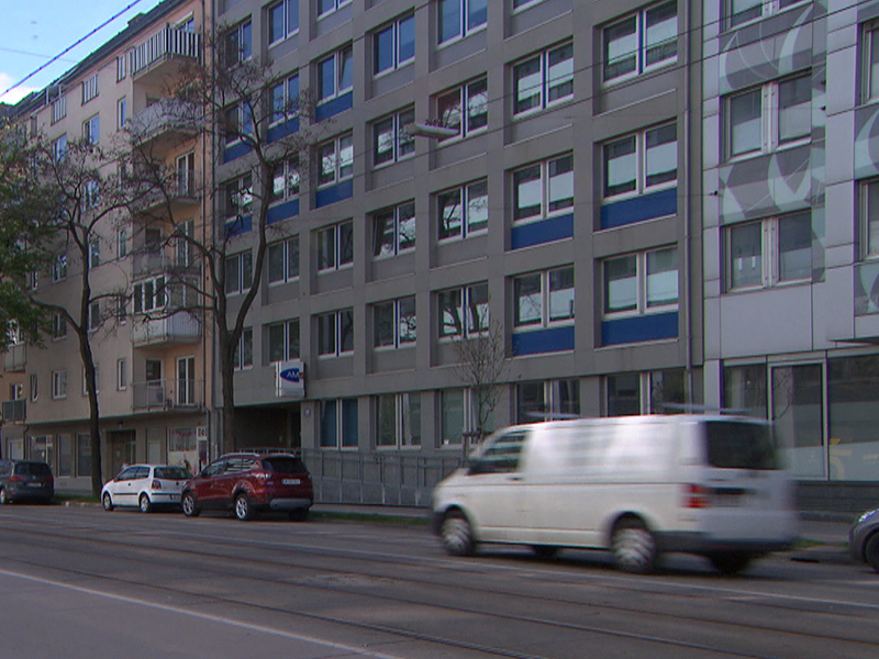 AMS in der Dresdner Straße
