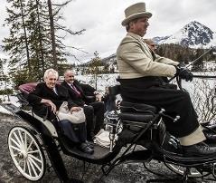 Prezidenti Andrej Kiska a Miloš Zeman na projížďce kolem Štrbského plesa