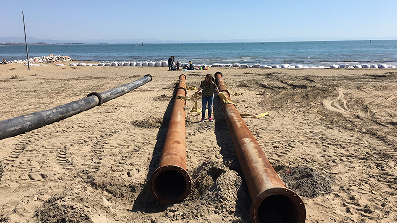 Lignano Strand Bauarbeiten Urlaub Adria Italien Rohre
