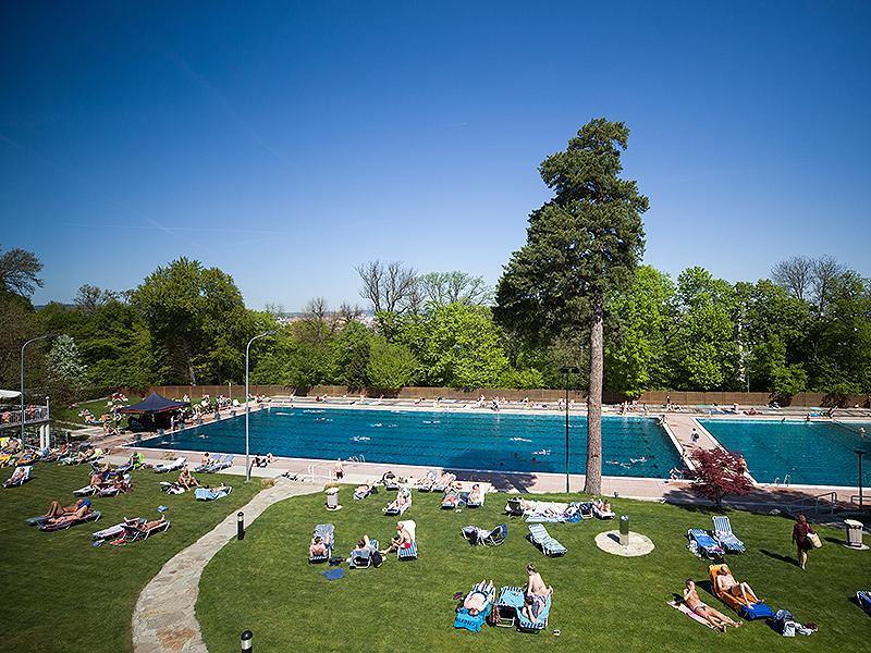 Saisoneröffnung des Schönbrunnerbads