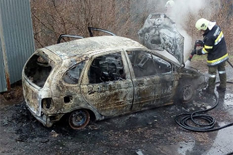 Auto Brand Autobrand Reißeck Teuchl Gasflaschen Explosionsgefahr