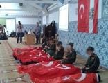 ATIB Moschee Kinder stellen Leichen nach