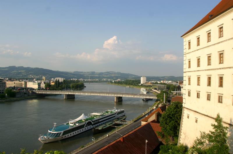 Donauschiff