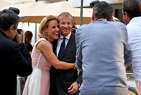Wilfried Haslauer mit Ehefrau