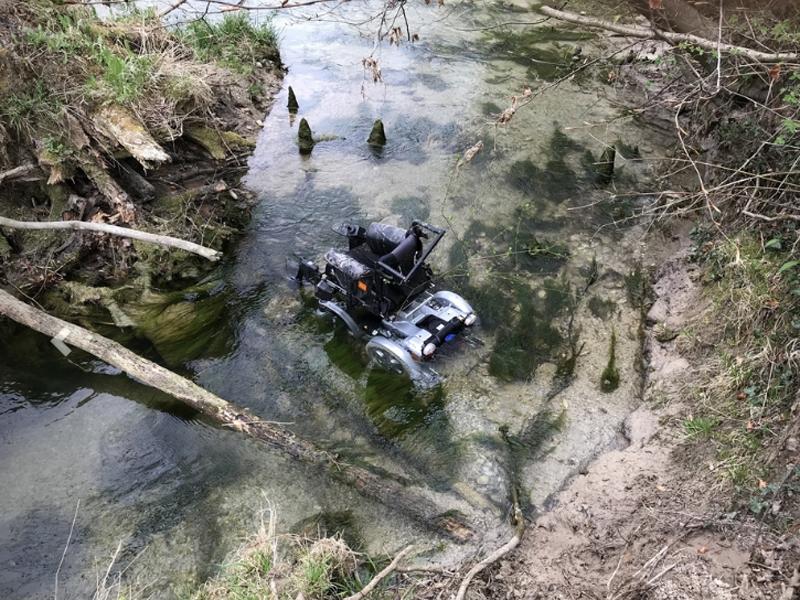 Rollstuhl in Steyr gestürzt