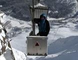 Materialseilbahn bei der Einfahrt in die Bergstation beim Observatorium am Rauriser Sonnblick