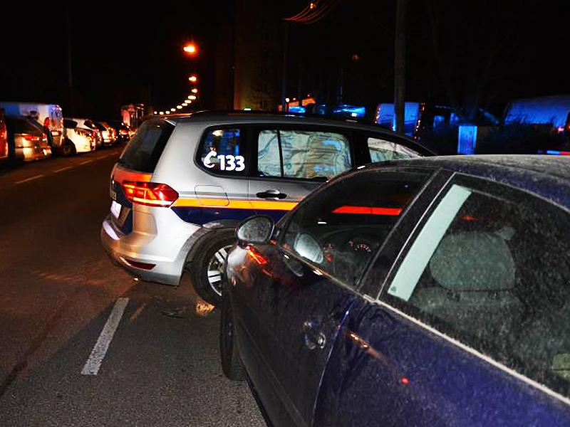 Beschädigtes Polizeiauto