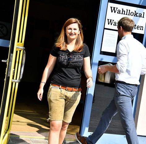FPÖ-Landesparteichefin und Spitzenkandidatin Marlene Svazek nach der Stimmabgabe in Großgmain (Flachgau)