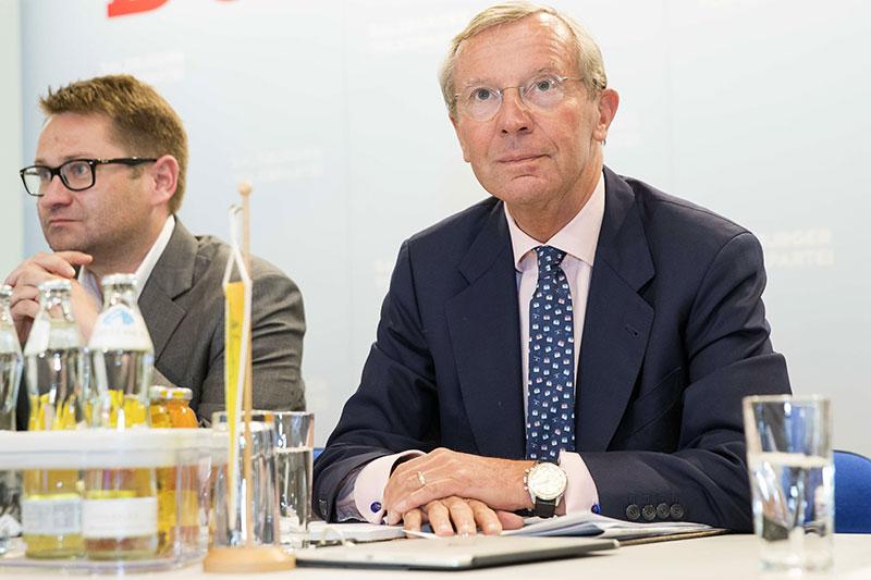 Wilfried Haslauer mit ÖVP Landesgeschäftsführer Wolfgang Mayer bei Sitzung