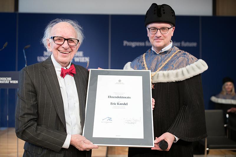 Eric Kandel (l.) mit Rektor Markus Müller