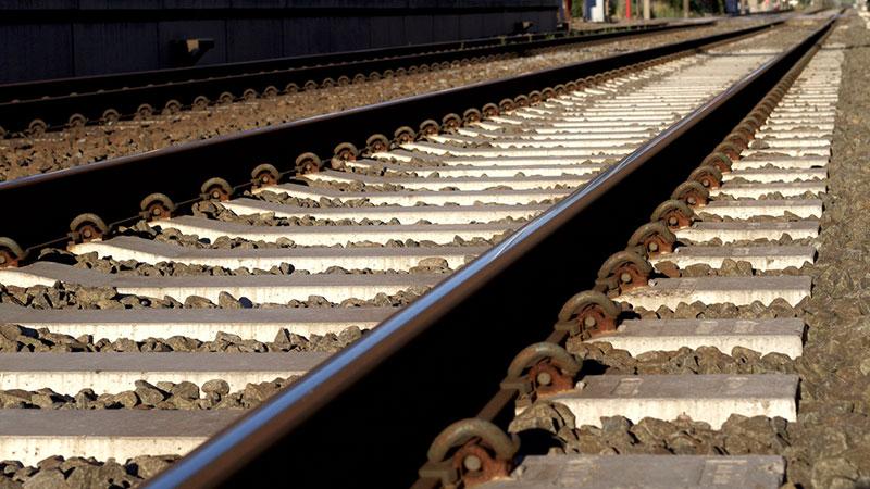 Schienen, Zug