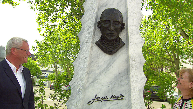 Haydn Denkmal in Eisenstadt enthüllt