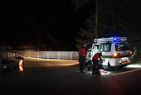 Betrunkener 18-Jähriger stürzte bei Pinkelpause in Märzenklamm