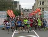 Start des Salzburg Marathon am Mirabellplatz