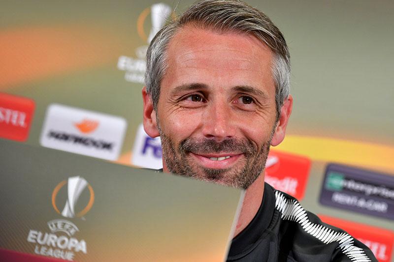 FC Salzburg Cheftrainer Marco Rose lächelt bei Europa League Pressekonferenz