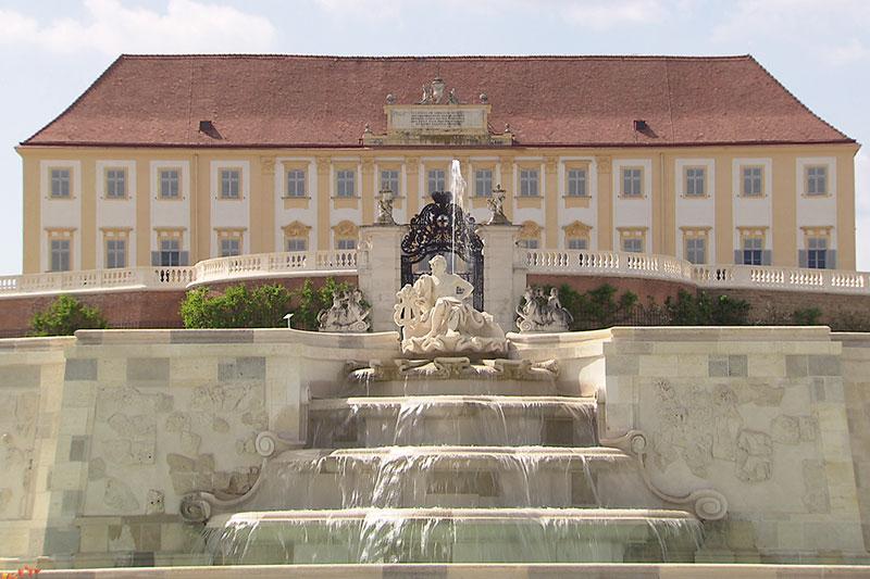 Große Kaskade in Schloss Hof revitalisiert