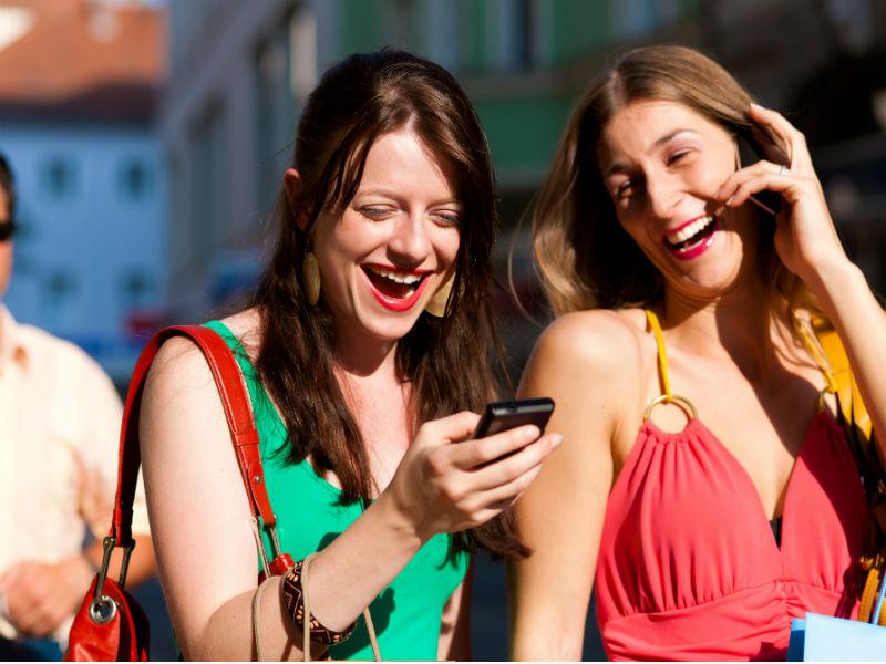 Lachende Frauen