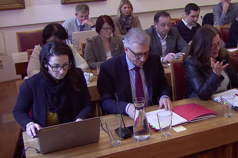 SPÖ Fraktion bei Landtagssitzung im Saal des Salzburger Gemeinderates im Jahr 2017
