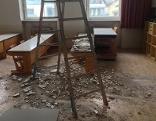 Volksschule Gnigl Deckensturz Putz Baustelle