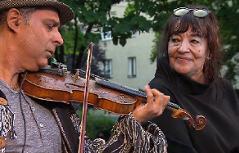 Moša Šišic und Doris Stojka