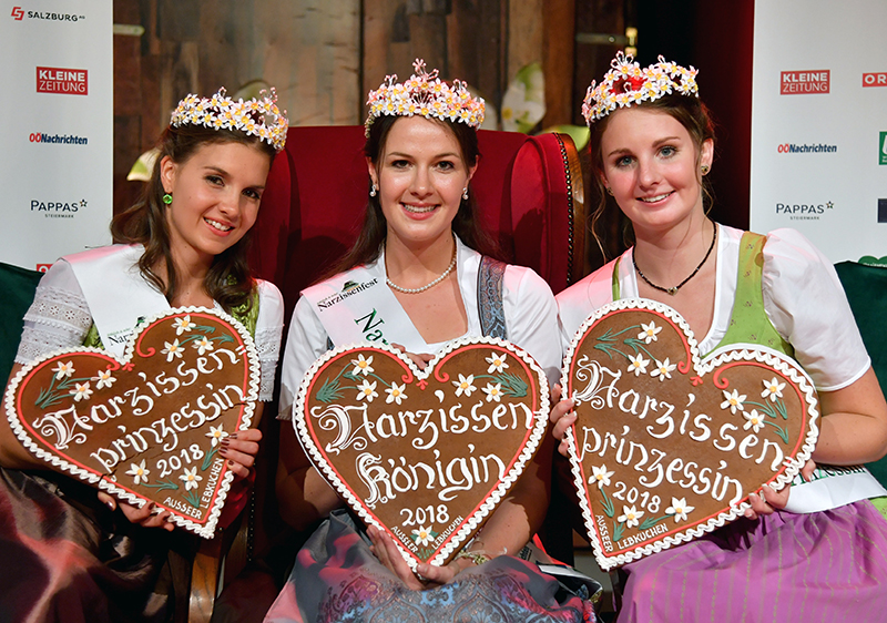 Narzissenprinzessin Tina Zinhobl (Oberösterreich), Narzissenkönigin Silvia Mair (Oberösterreich) und Narzissenprinzessin Cornelia Huber (Steiermark)