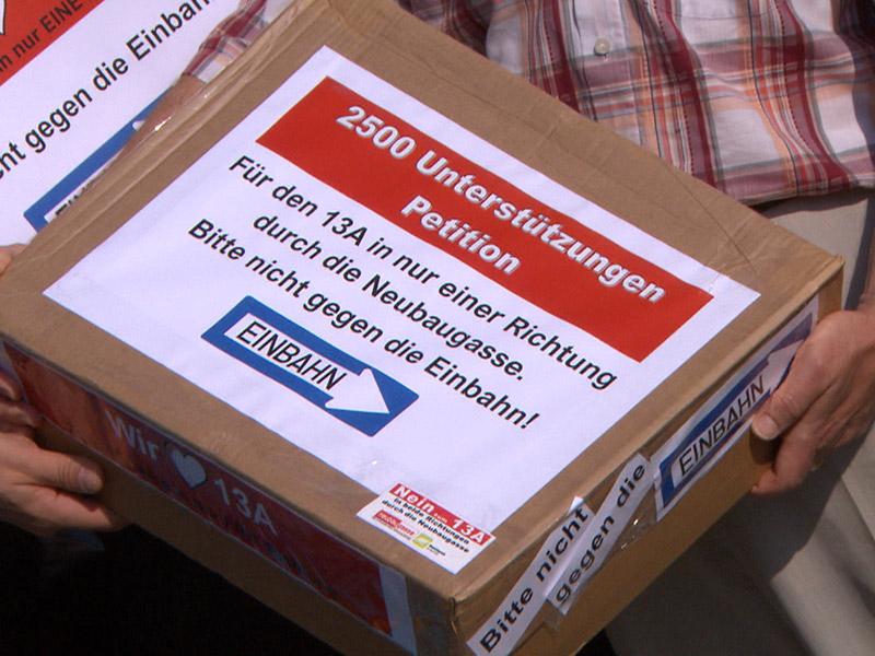 Paket mit Unterschriften