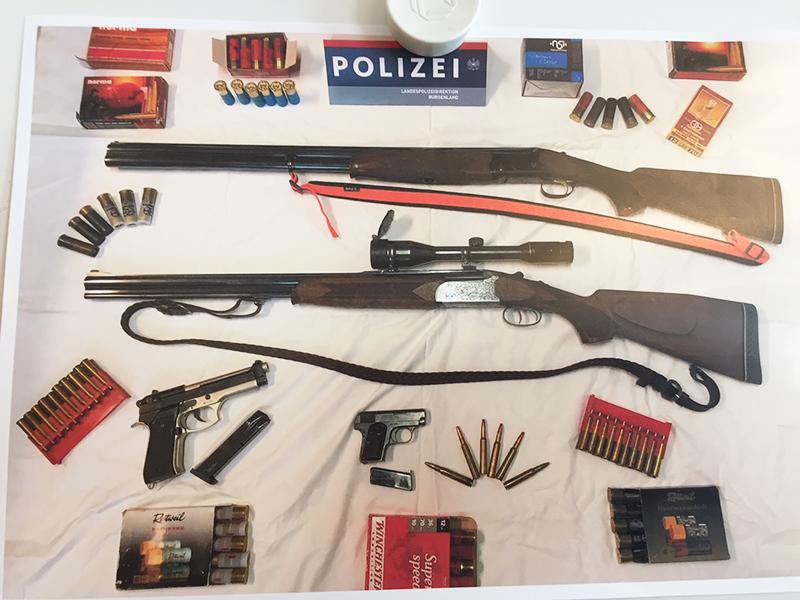 Foto der gefundenen Waffen
