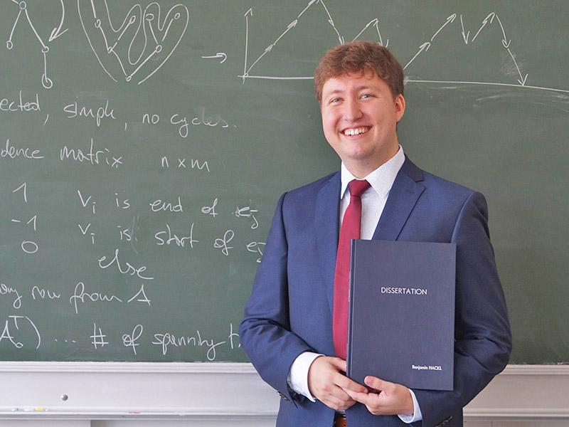 Universtät Jüngster Doktor Benjamin Hackl
