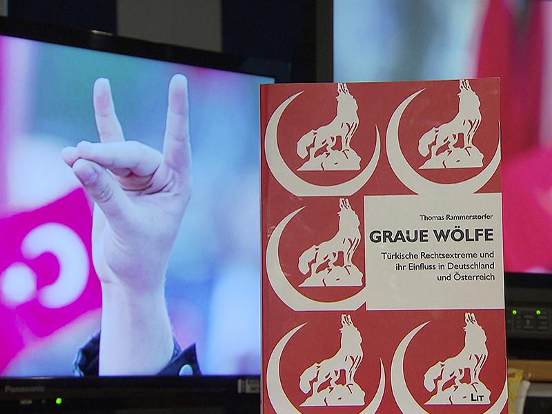 Buchtitel Graue Wölfe