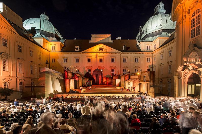 Oper Klosterneuburg Stift Innenhof