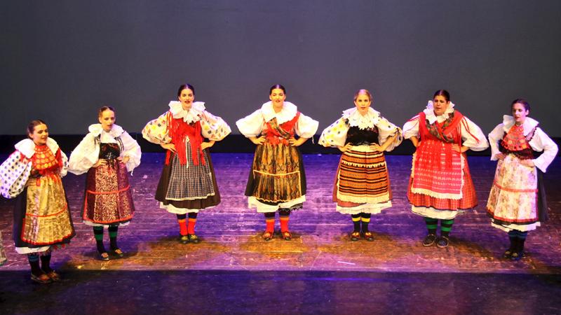 Koljnofski folkloraši u Rimu