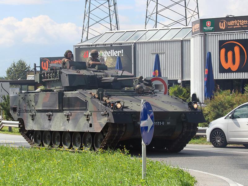 Panzer im Verkehr