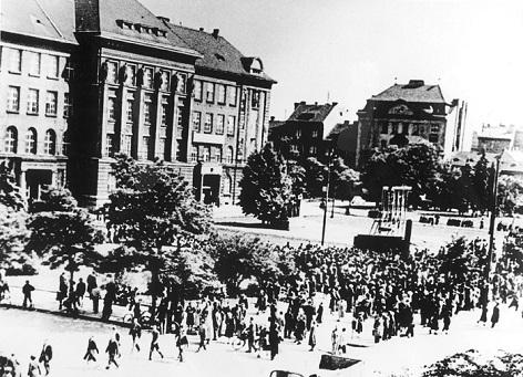 Protesty v Plzni proti penezni reforme