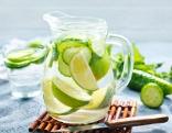 Zitronen-Gurkenwasser