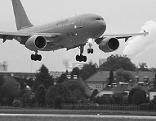 Salzburg Airport Flughafen Anflug Jet Flugzeug Flugverkehr Fluglärm Freilassing