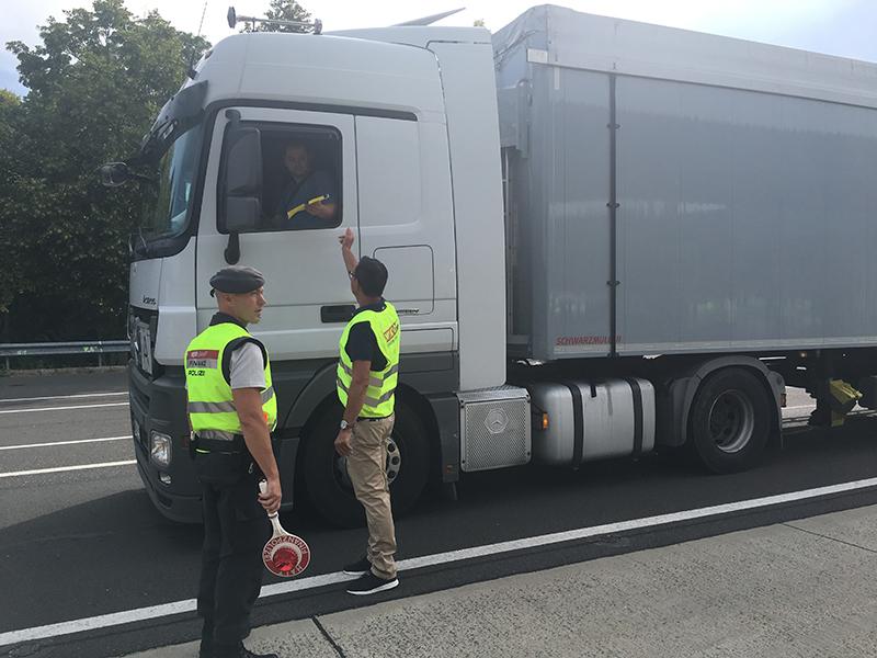 """""""Aktion Scharf"""" der steirischen Wirtschaftskammer und Finanzpolizei"""