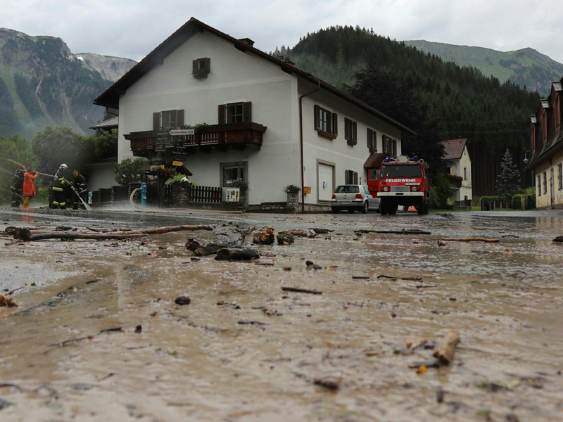 Altenberg an der Rax unter Wasser