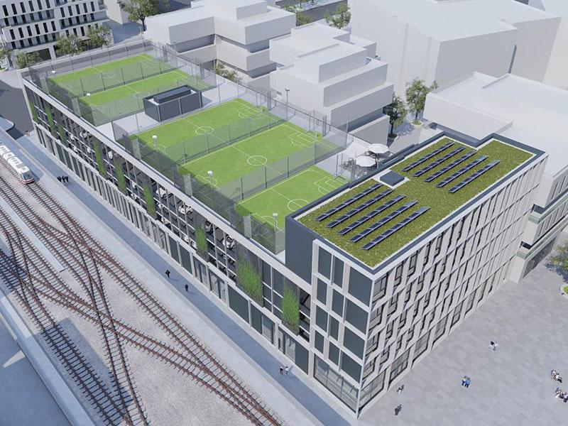 Fußballfelder am Dach der Seestadt