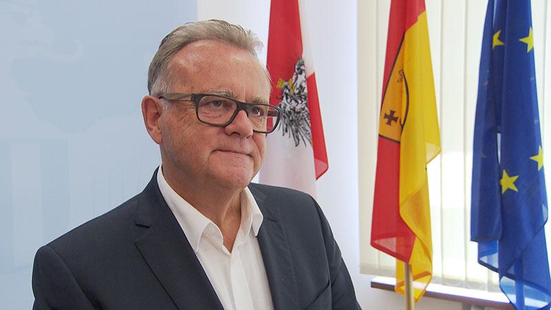 LH Hans Niessl