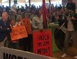Betriebsräte Versammlung des ÖGB gegen den Zwölf Stunden Arbeitstag im Brunauer Zentrum in Salzburg