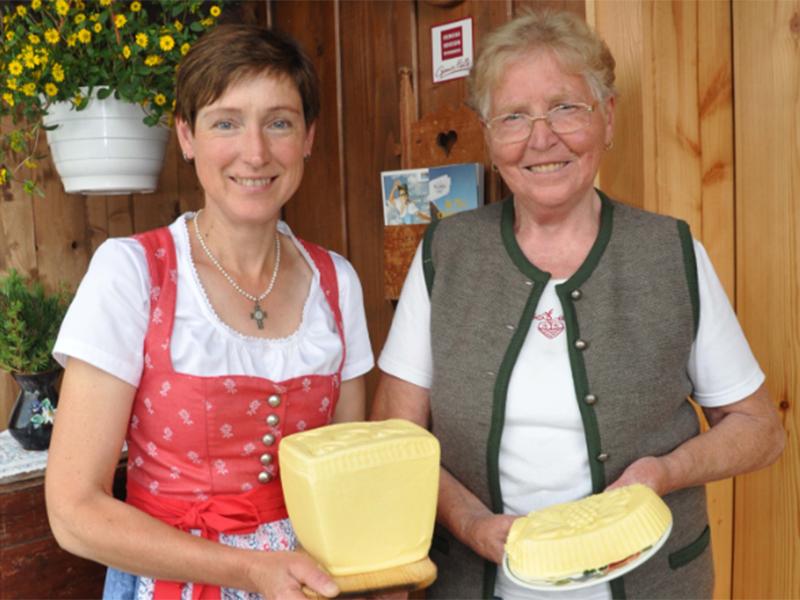 Barbara Gsenger und Elli Praniess, Sennerinnen der Rettenegghütte auf der Postalm