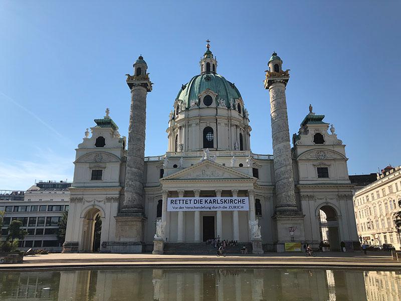 Transparent vor Karlskirche